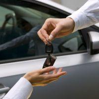Заработок на аренде автомобилей: 4 кейса для успешного бизнеса